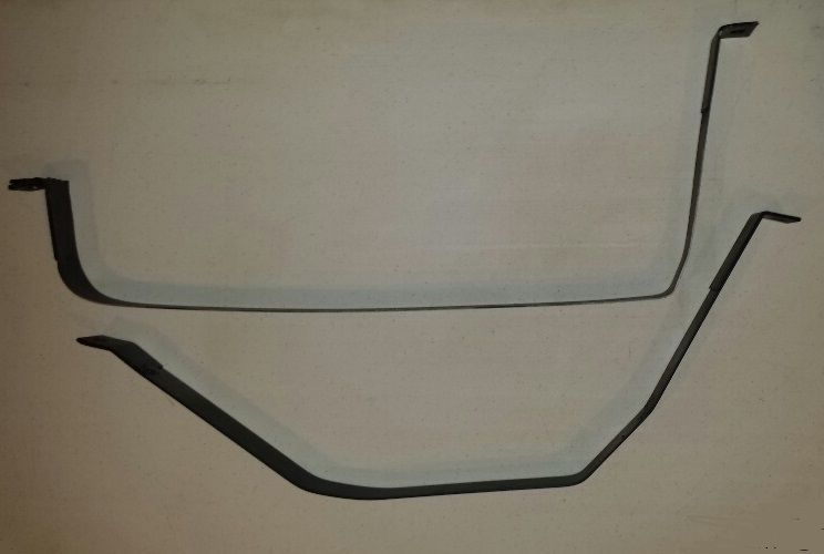 2004 Saturn L Series Gas Tank Straps